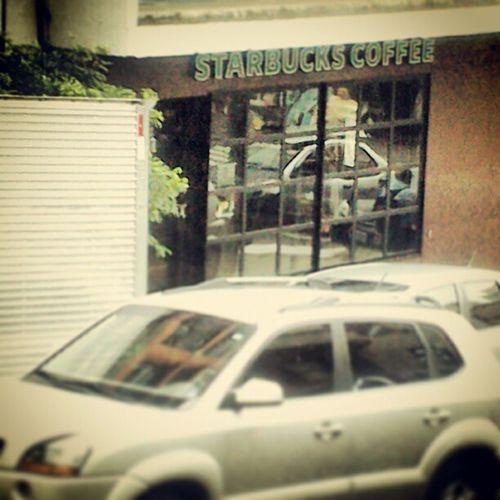 Almoçando e acho uma Starbucks Coffee mais perto do trabalho. Subway Starbucks Coffee Alamedajau Ruaalgusta