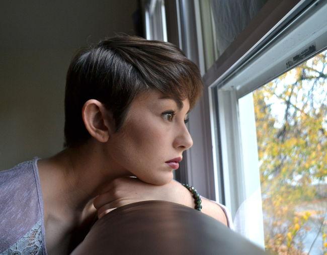 Autumn Bracelet Lighting Makeup Portrait Profile RainyDay Selfportrait Selfportrait_tuesday_nonchallenge Shorthair Taking Photos Window
