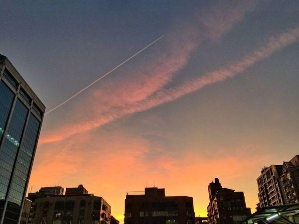 夕陽無限好⋯ City 隨拍 2017 景色 光影 夕陽 ㄧ瞬間 Hello World Sky
