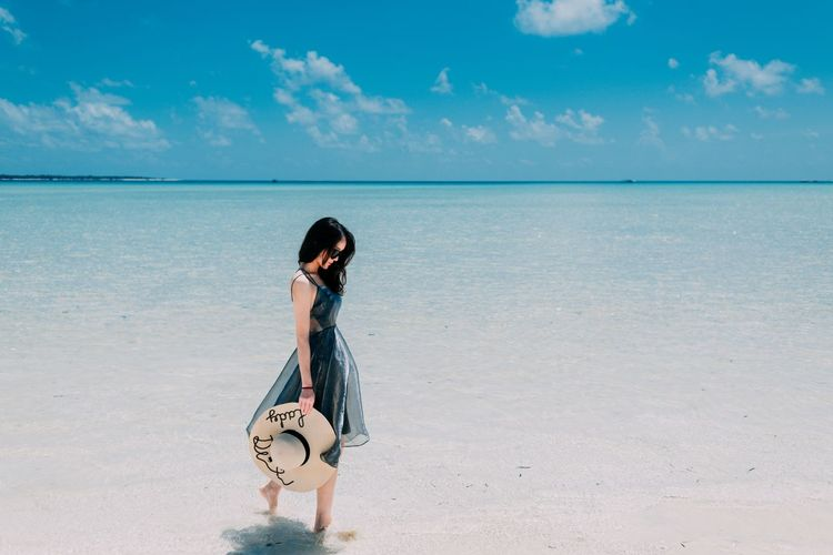 Semporna 男仔很忙 NikonD810 Land Beach One Person Sky Sea Water Horizon Over Water Horizon Sand Beauty In Nature Leisure Activity Nature Real People Women Hairstyle Young Adult Young Women Cloud - Sky Standing Outdoors