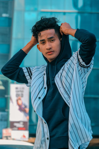 An aspiring model and hard working student. Michael Reyes gives his best in every pose he takes. Real People Young Adult One Person Lifestyles Falseperception Fashion&love&beauty Fashion Photography Fashion Stories Teenstyle Teens YoungMen Casual Clothing Fashionmood My Best Photo The Creative - 2019 EyeEm Awards