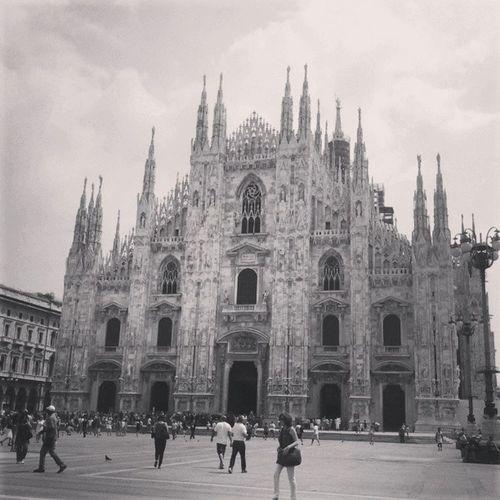 <3 Milan Milano Italy City instagram picoftheday photo duomo instaday instasun black white
