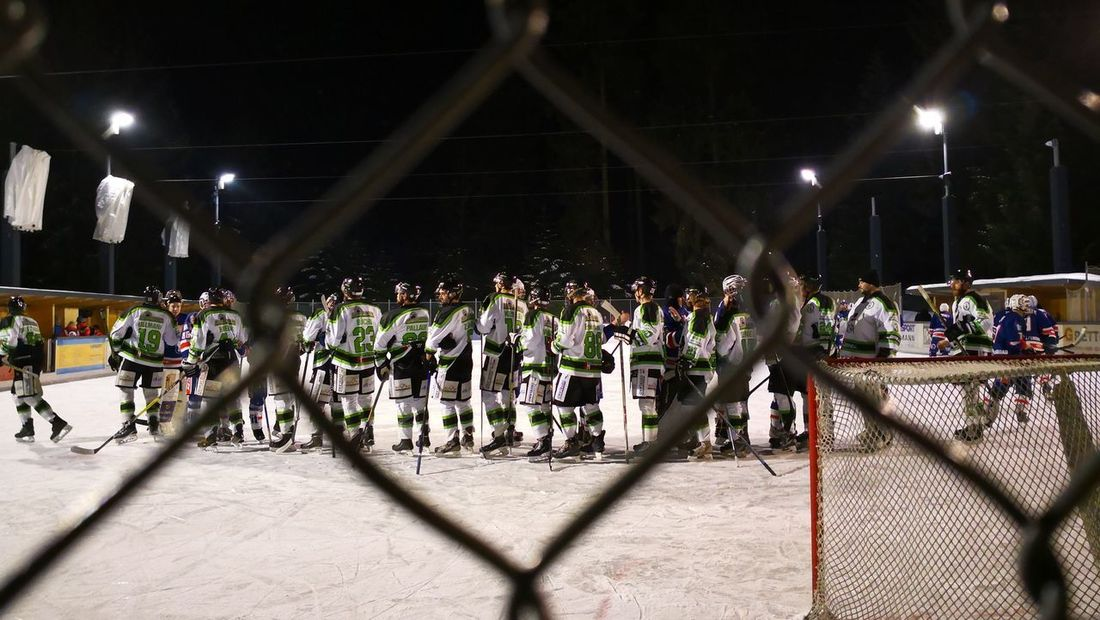 Fairplay Eishockey Large Group Of People Match - Sport Headwear Baseball - Sport Audience Competition People