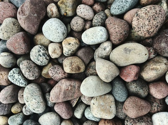 Pebble Beach Backgrounds Full Frame Pebble Beach Close-up Stone - Object Detail Textured  Water Drop Stone Tile Seashell
