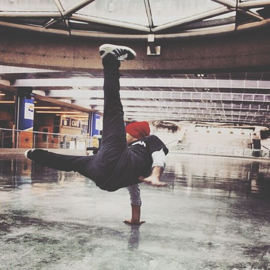 Breaking Bboying Flare instgram: thecooleststory
