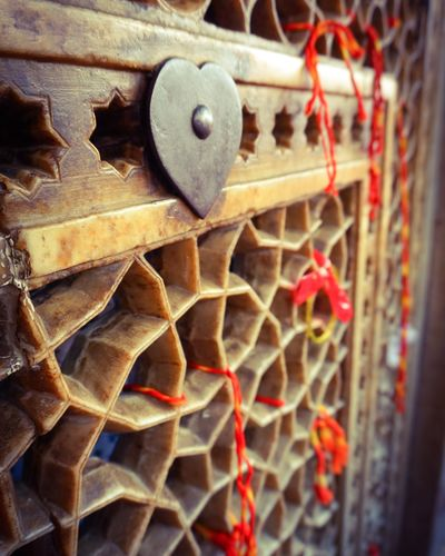 I know you're tired but come this is the way.. Shrine Shrines & Temples Mosque Hope Hopes And Dreams You And Me Red String Of Fate Red Love Heart Love ♥ Full Frame Backgrounds Close-up Architecture Love Lock Rusty Heart Shape