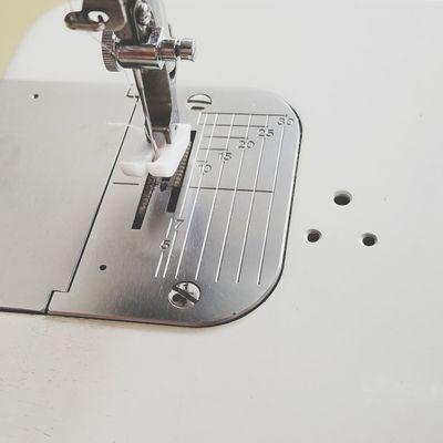 sewing machine ミシン ロックミシン 機械 手芸 Sewing Machine Handicraft Lock Sewing Machine Manufacturing Equipment Close-up