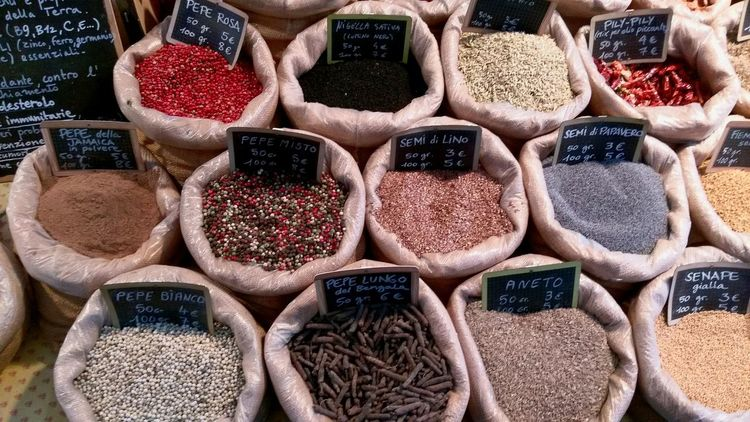 EyeEm Selects Retail  Variation Spice Choice Sack Store Market Full Frame Market Stall Food Collection Black Peppercorn Backgrounds Price Tag No People Day Outdoors Close-up Anise Summer Market Tuscany Spices In The Market Spices Of The World Spices Collection