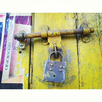 Sorry Locked !! Shot during KolkataInstameet Theme Doors, Locks and Windows. . . Wwim11 Wwimkol11 Kolinstameet LocksOfCalcutta Closed Calcuttacacophony _soi Streetphotogrphy Streetsofkolkata Instagram Instameet Pointnshoot Sony Onlyinbengal Whywealllovecalcutta