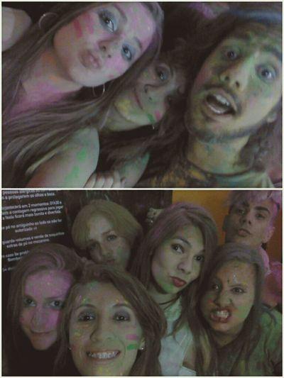 Selfie com estranhos <3 Party Hard Holi Festival Holi Party Holi Party Festival