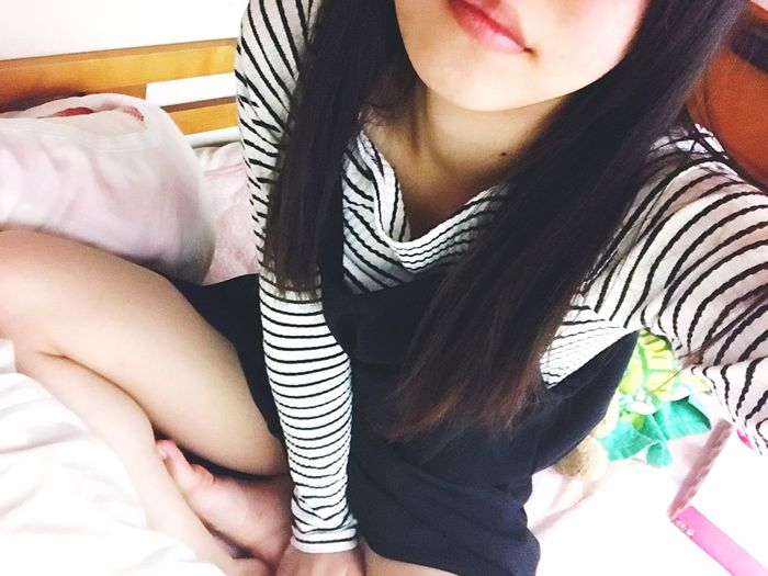 Live Japan Indoors  Midsection Women Real People High Angle View Sitting Bed Lifestyles Young Women One Person Close-up Human Body Part Young Adult Bedroom Day Human Hand Adult People Adults Only Decolletè