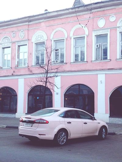 дома дом Lifestyle City Beautiful Life место Ярославль город города  розовый Pink Pink Color Photo Photography Photo♡ Places Opening Day Houses Colors Машина Машины Car Cars Photos Photo Of The Day