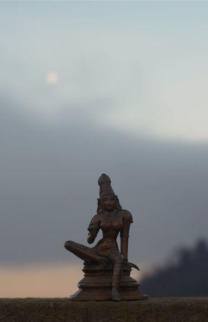 Indian bronze statue Art Art And Craft Bokeh Bookeh Effect Bronze Statue Creativity Human Representation Outdoors Sculpture Statue