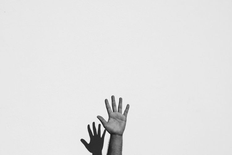 Hands on Adults Only Dailylife Everydayegypt Everydayeverywhere Everydaymiddleeast Gettyimages Human Body Part Human Hand Instadaily Instagood Instamood Journey Justgoshoot Lensculture Lifeofadventure One Man Only One Person People Photooftheday Real People Streetphotography Vscocam Vscocamphotos Vscogood Vscophile Adapted To The City