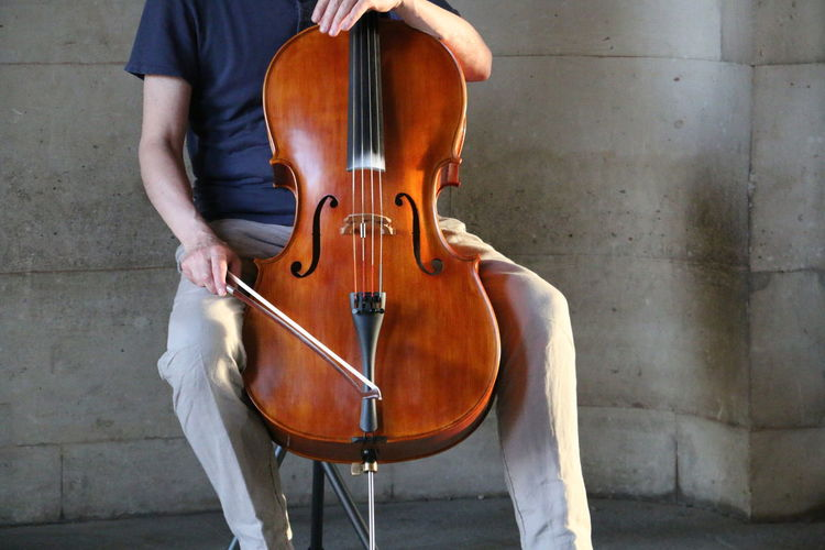 View Close-up Urban City Classical Music Musician Musical Instrument Performance Cello Bass Instrument Playing Music Cellist Urban Scene