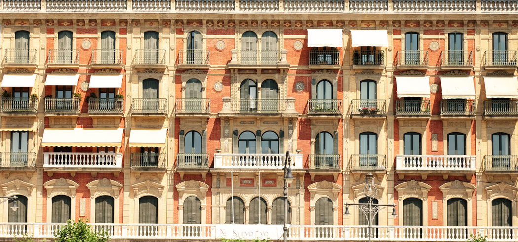 Old style Building Facade Architecture_collection Building Exterior Sun Shades Architecture Built Structure Window City Building No People Travel Destinations Sunlight Full Frame