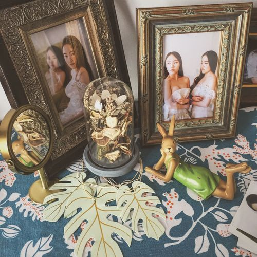 A corner tht belongs to me Indoors  Old-fashioned Human Representation Female Likeness Low Angle View ArtistLifestyle Photooftheday Lifestyles Picturesinframes Photo