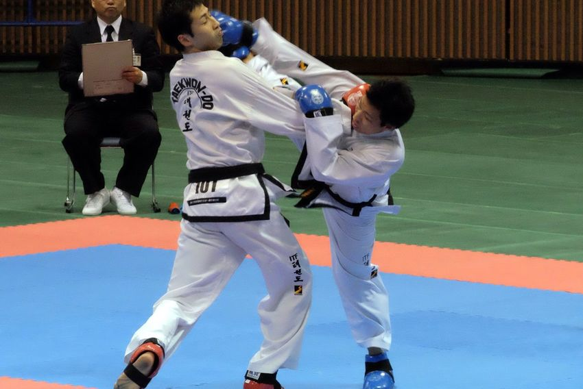 Q is Quick Motion Kicks Martial Arts Taekwondo Sparring Kumite Exibition Capture The Moment Fujifilm_xseries Xc50230 The Amazing Human Body EyeEm Best Edits Sport Sports Photography Photography In Motion Need For Speed