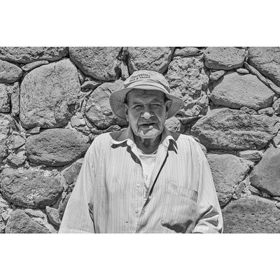 """Yo le limpio lo que sea al quenseas el dia entero para conseguir dinero para comer."" ""I clean anything for anyone all day to get money to eat"" Eabreumexico Chapala Ajijic Residency photography artist mexico2014 mexico residents hustle community"