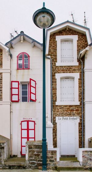 very Small Old House at the Seafront in St. Malo , Bretagne , France House Old Buildings Architecture Architecture_collection Architectural Detail The Architect - 2016 EyeEm Awards Two Is Better Than One Adapted To The City