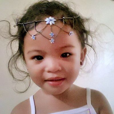 Mybabyalive Myprettylittlelady Mischadaenerys Kikay princess Little girls are giggles and curls Ribbons and bows Sugar and spice from head to toes