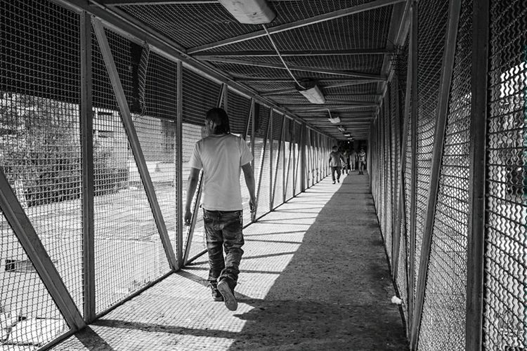 On the bridge Vanishing Point Blackandwhite Streetphotography Monochrome Taking Photos Urban Geometry Ligth And Shadow