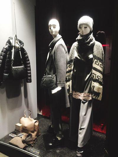Vetrina Donne Vincenti Window Fashion DonneVincenti Clothes Accesories Style FallWinter2016 Shopping ♡ Alba Moda Italy