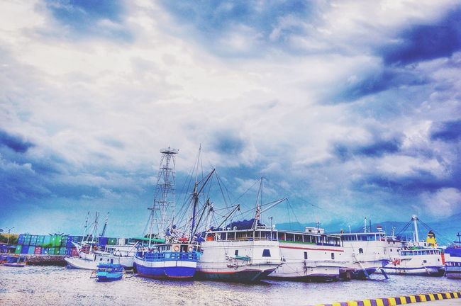 Pearl harbor ☺️☺️ Followme Taking Photos Photography Photo First Eyeem Photo EyeEm Best Shots Ship Pearls INDONESIA IPhoneography