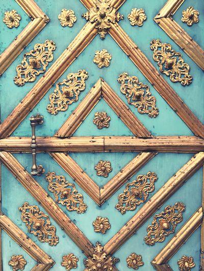 München Munich Gold Golden Door ArtWork Artsy Fineart Church Christian