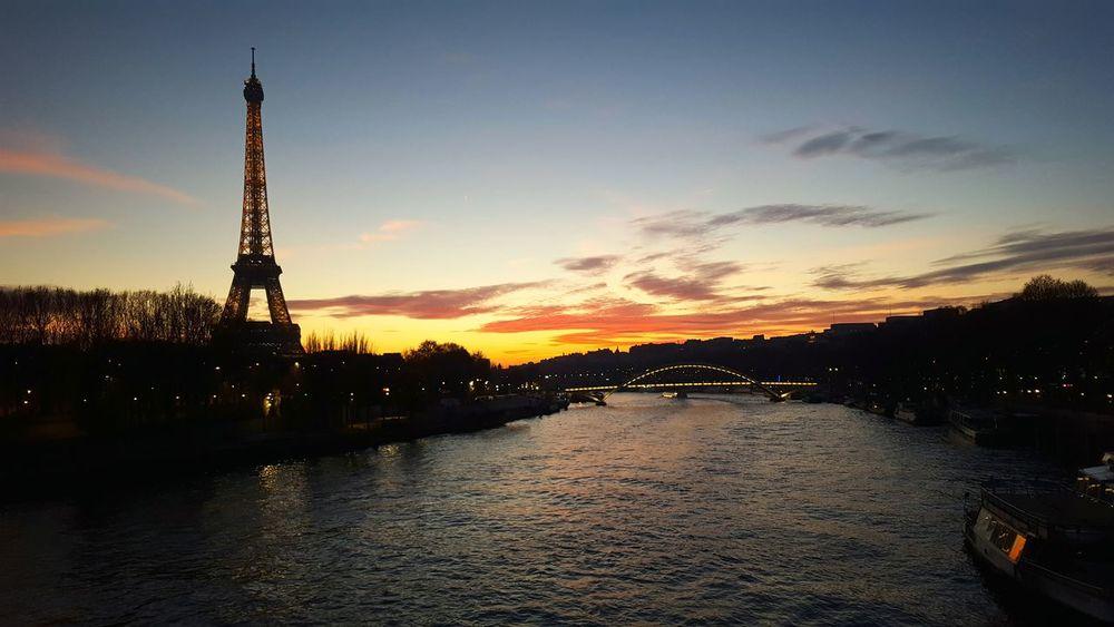 Paris ❤ Eiffel Tower♥ Nightphotography Paris By Night Paris Je T Aime Paris Nofiltre Horizon Sky Seine Skyonfire Love Is In The Air City Street Cityview Cityoflove