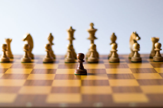 Check 2 Alone Life Revolution Schach Axvo Bauer Board Game Checked Pattern Chess Chess Board Chess Piece Close-up Game Indoors  Intelligence No People One Vs All Pawn Pawn - Chess Piece resist Selective Focus Shadows Sport Strategy Studio Shot