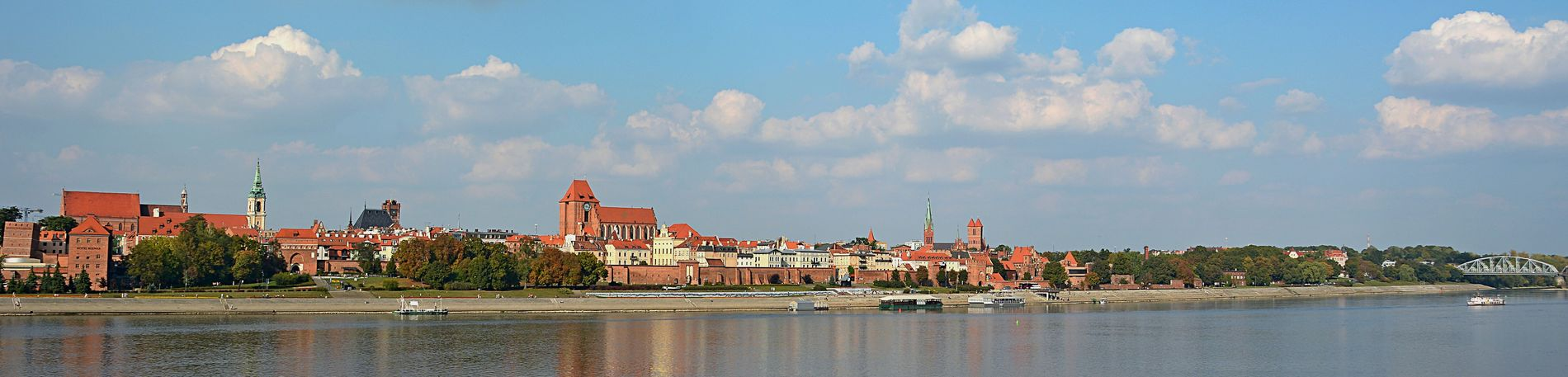 Panorama Urban Architecture River Bulwar Filadelfijski Architecture Old Town Gothic Architecture Water Reflections Water Summer Gothic Church Gothic Nikonphotography Clouds And Sky