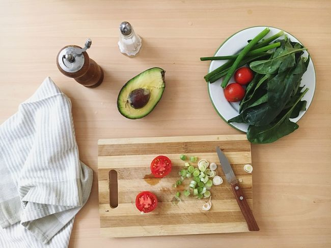 Food And Drink Vegetable Food Healthy Eating Cutting Board Freshness Tomato High Angle View Indoors  Table Chopping Board Ingredient No People Preparation  Directly Above Wood - Material SLICE
