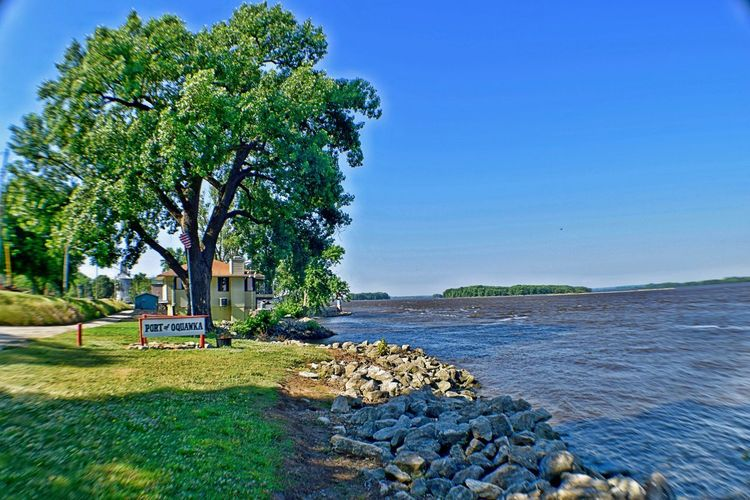 Early in the morning Bluesky Illinois MidWest Missisippi River Morning Oquawka River Shore