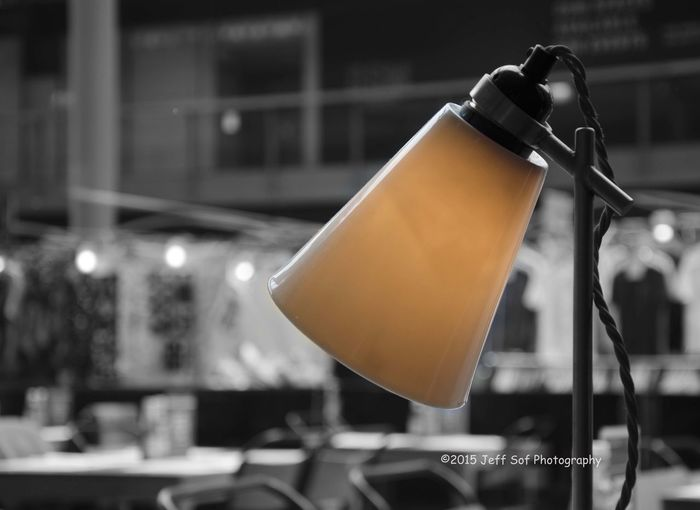 Amber Light Angle Pois Animal Themes Close-up Focus On Foreground Old Wiring Restaurant Retro Lamp Table Lamp Traditional Traditional Lamp