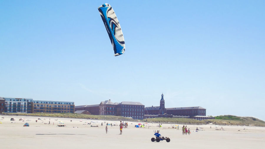Large Group Of People Sportsman Adult Men Clear Sky Outdoors Sport Kitesurfing Kite Berck France Europe Côte D'Opale Landscape Landscape_Collection Sand Water Beach Beachphotography Sky Only Men People Day Summer