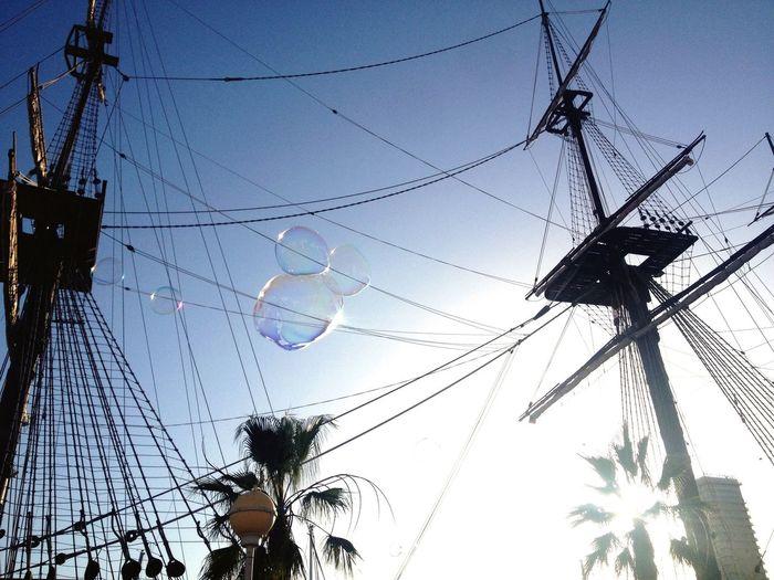 I dont know what put here :) Low Angle View Bubbles Fragility Efimero Ephemeral Perishability Perishable Short-lived Mast