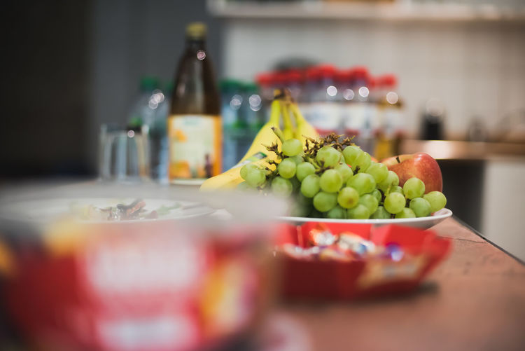 healthy options Grapes Healthy Eating Fruits Bananas Table Fruit Indoors  Healthy Eating Food And Drink Food No People Freshness Close-up Supermarket Day EyeEmNewHere