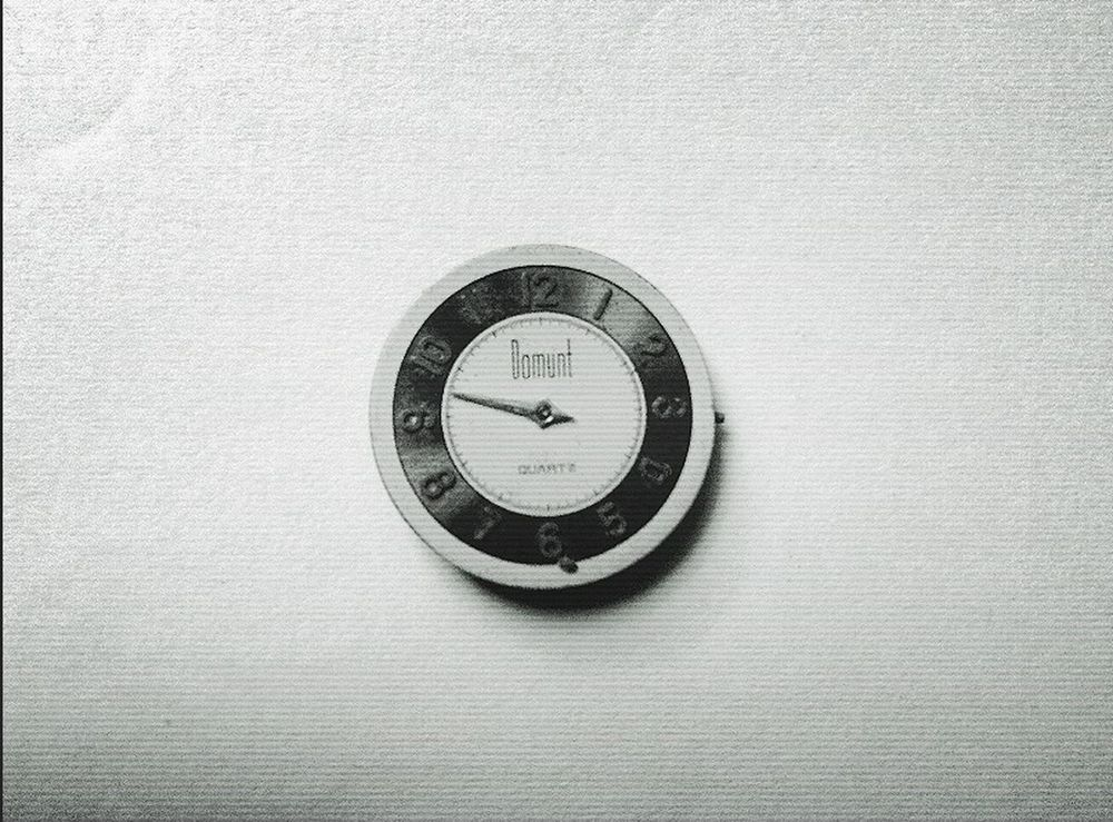 Time Time Clock Face Minute Hand Textured  Pic photo