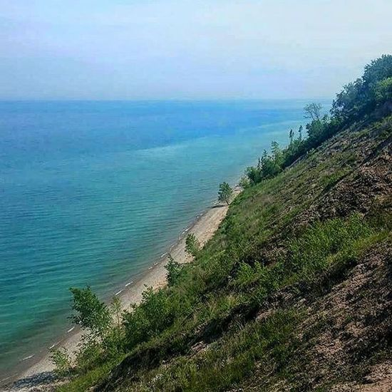 I love the days when the sun hits the water justttt right and it becomes the bluest blue. Lake Michigan may not be as beautiful as the ocean, but it's definitely a close second! Lake Michigan Adventure TravelWI