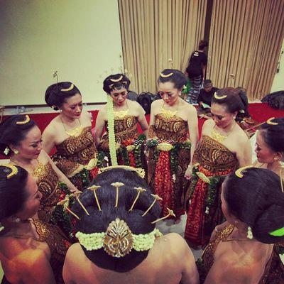 PRAYER CIRCLE Oyikk Worlddanceday Solovely Instadaily indonesia