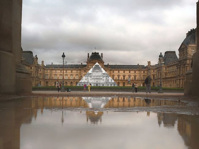Paris Museum Musee Muséedulouvre🇫🇷 Puddle Puddlegram Puddlephotography The 00 Mission