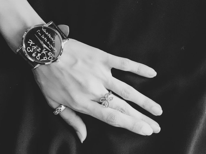Whatever... Enjoying Life Taking Photos Huaweiphotography Huawei Beautiful Eye4photography  Black And White Collection  Black&white Blackandwhite Photography Black Background Watch Hand Jewelry Beauty In Ordinary Things Ring Rings Monochrome Photography