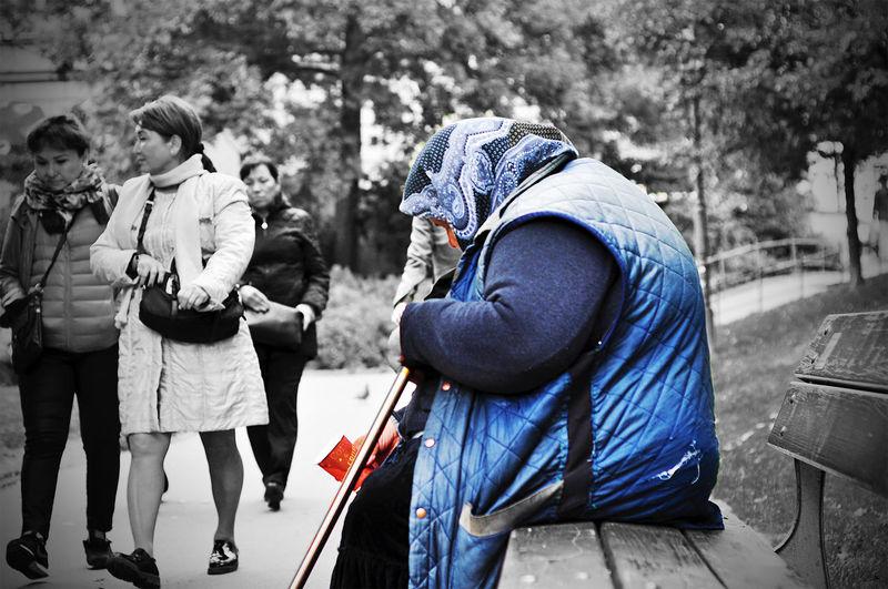 Old Gloomy Society Socialmedia StreetScenes Begger Prague