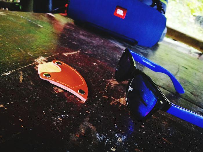 Jbl Extreme Sunglasses Karambit Table