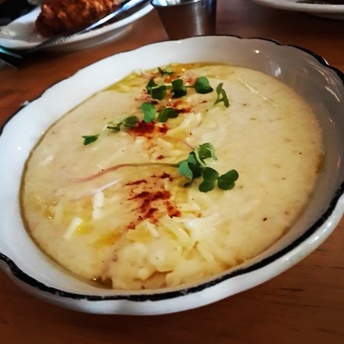 Cheesy and creamy is the only way to have'em. Mmmm... grits. SoFloBrunch TheFederalMIA