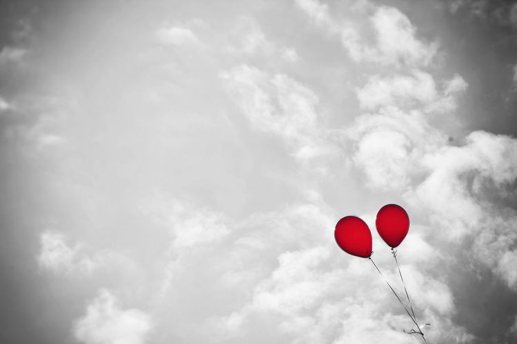 Balloon Cloud - Sky Red Sky Day Outdoors TogethernessRed Color Color+black And White Helium Balloon No People Real Life Streetphotography Lifestyles Streetart Backgrounds Red