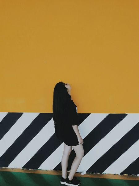 i'm not. #student #yellow #blackandwhite #JustMe #photography #outfit #OOTD #beautiful #streetphotography #EyeEm #lookthrough Women Full Length Young Women City Striped