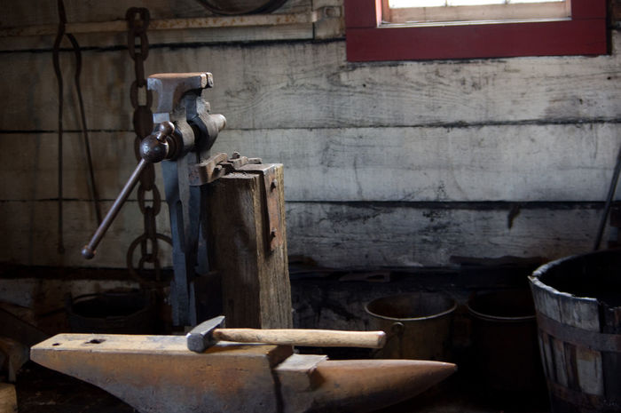 Barn Blacksmith  Visé Workshop Anvil Bucket Chain Close-up Day Hammer Indoors  No People Rusty Window Sill