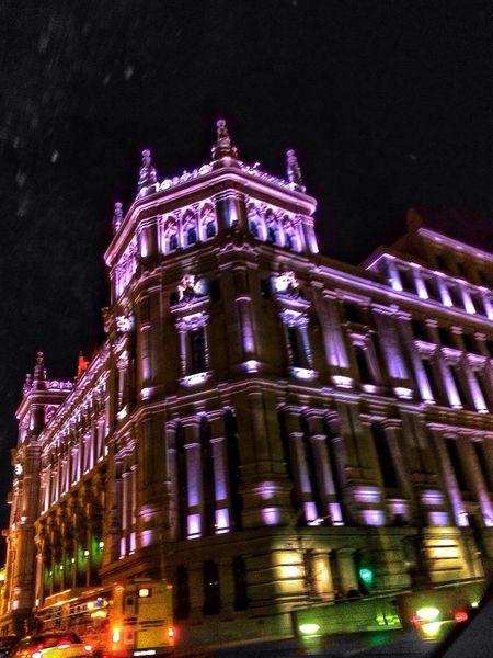 Todas las caras tienen su encanto. Hay que prestar atención. Madrid Christmas Streetphotography